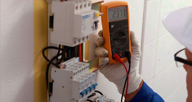 curso-eletricista-residencial-e-predial-em-dvd-frete-gratis-D_NQ_NP_218111-MLB20484910508_112015-F